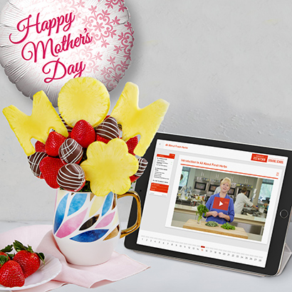Cooking Lovers Membership and Berry Bouquet